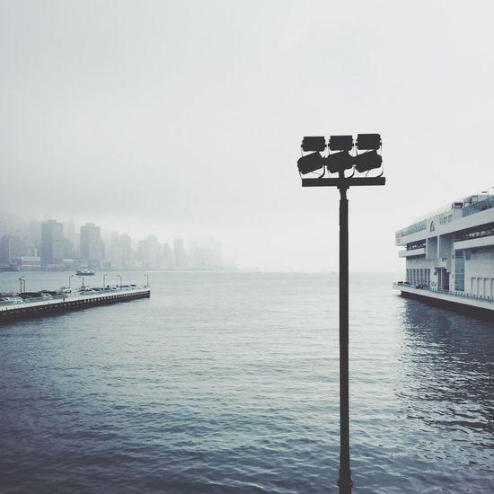 せっかく香港に来たのに、曇りや雨の日ばかりで写真を撮る気も萎えるわぁ… ビクトリアハーバー Victoria Harbour HongKong Cloudy Bad Weather Landscape_Collection 香港 風景 曇り