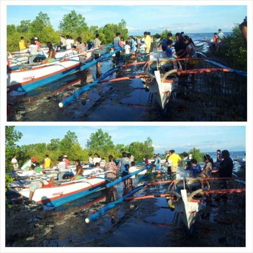 Rebuild project for the Yolanda survivors. Rebuildproject Yolandasurvivors Beach Boats simplelife rurallife