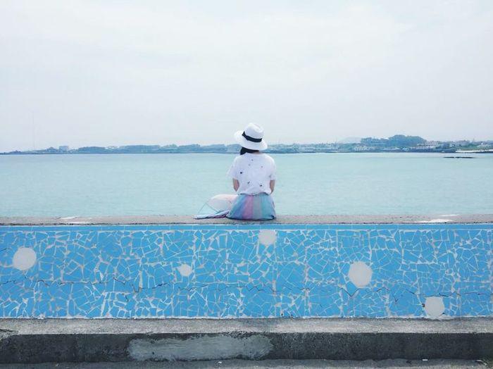 에매랄드 빛 바다와 함께 Hello World That's Me JEJU ISLAND  Travel Nature Beach Beautiful Enjoying Life Iponeography