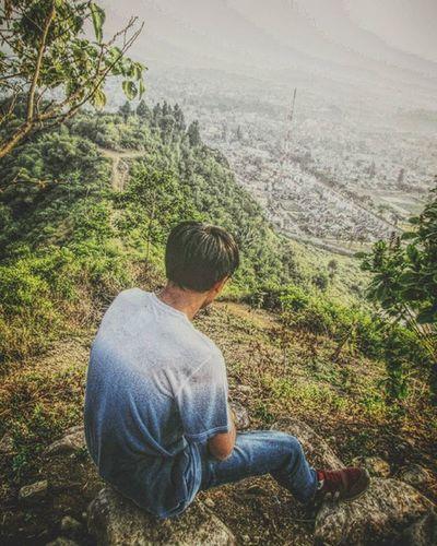 Berpura-pura itu menyenangkan vroh 💀 • • Gunungkasur Bukittengkorak Explorecipanas