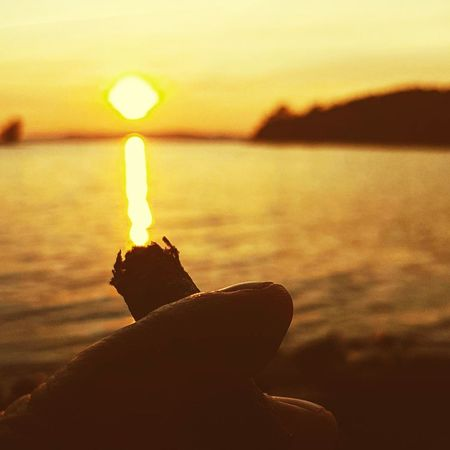 Mi fai accendere🔥please? Human Body Part Sunset Human Hand Water Sunlight One Person People Flame Nature Illuminated Sky Adult Close-up Sigaro Cigar Reflections Relax Smoking Samsung S7 Lifestyle Outdoors Orange Leasure Time End Of The Day Summer Paint The Town Yellow