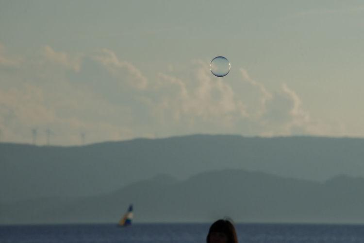 A Gentle Time Light Twilight Soap Bubble Usk Of Summer And Soap Bubbles シャボン玉 夏の夕暮れとシャボン玉 淡い夕暮れ 淡い色