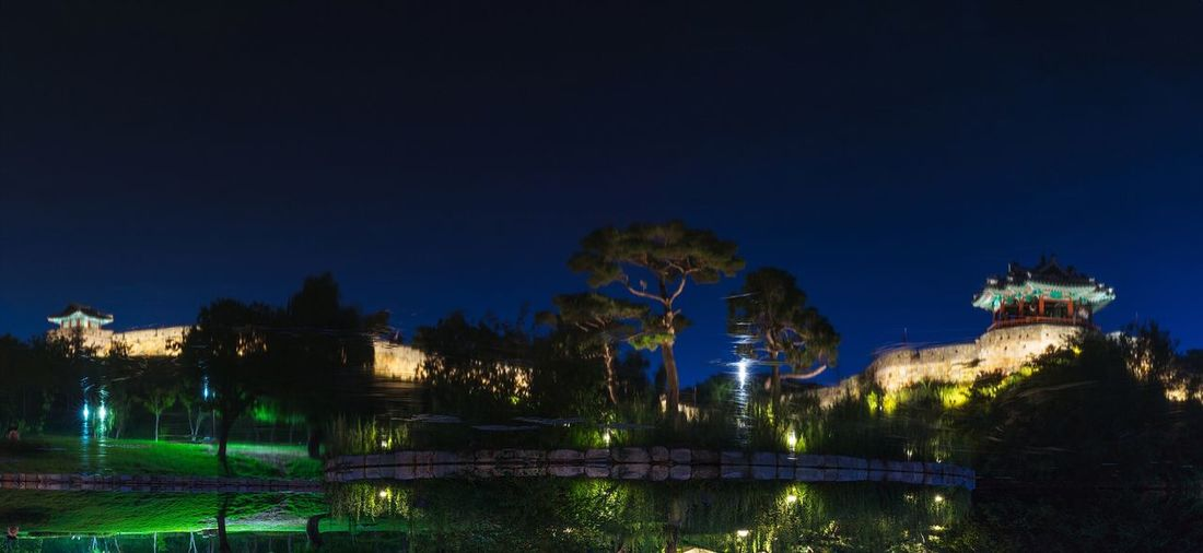 Korea Suwon Suwon Hwaseong Fortress Banghwasulyujeong Reflection Night Landscape Panorama Night View Nightscape with Sony A7R and Canon EF16-35mmF4LIS USM