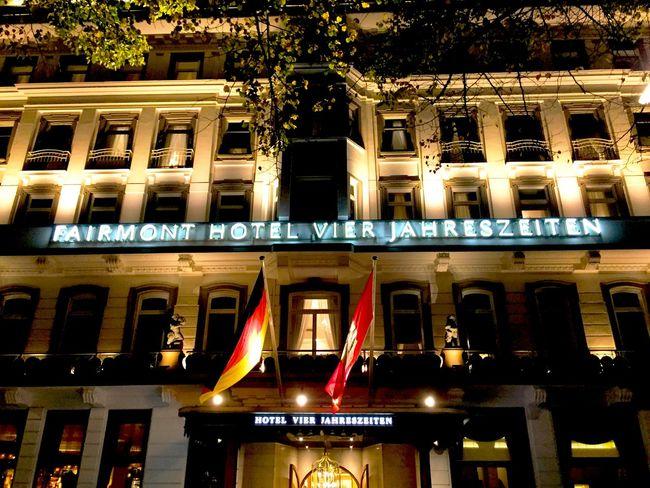 Fairmont Hotel Light And Shadow Ilovehamburg Hamburg Alster Mytown Nightlife Nightphotography