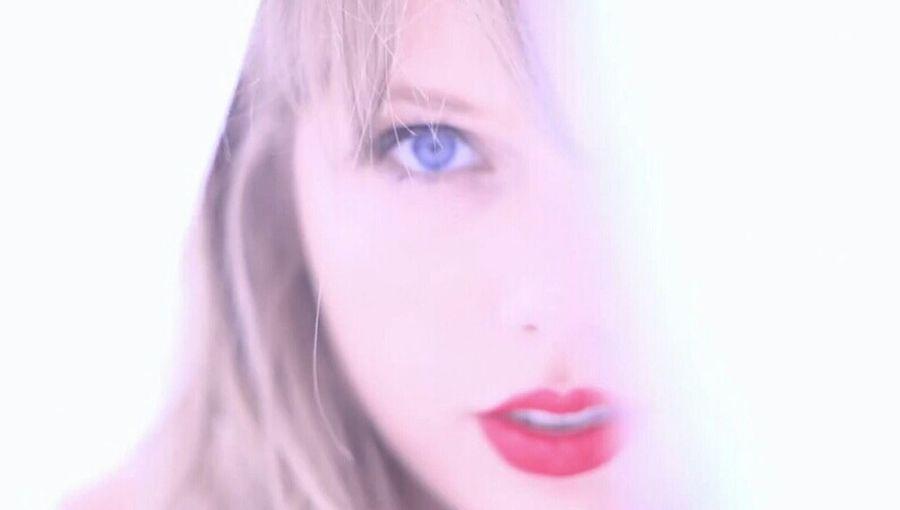 Taylor Swift - Style :) Enjoying Life Love Song