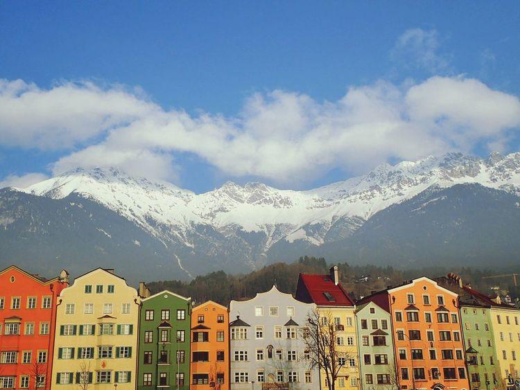 CoLorfuL InnsbRucK Innsbruck Innsbruck Altstadt Crazycolors Crazycool_hdr Austria ❤ Austria Mountains Cloud - Sky Architecture Cityscape Mountain Range Winter Cold Winter ❄⛄