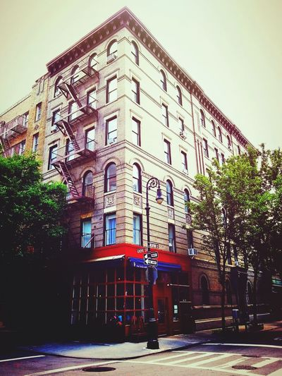 Who loves Sitcoms? Walk to Grove St. and Bedford St. and look up. Friends Manhattan West Village