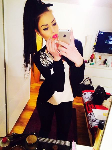 Lips Selfie Beauty Outfit Job That's Me 😚 Taking Photos