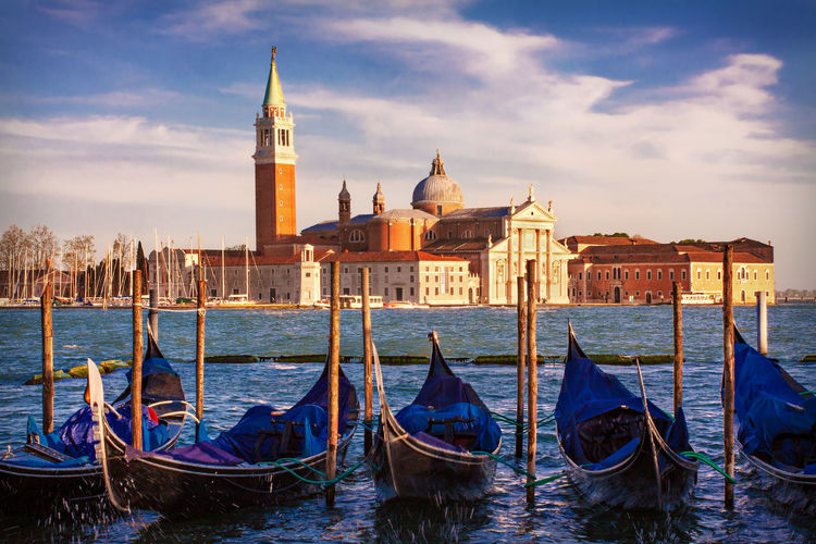 Gondolas and