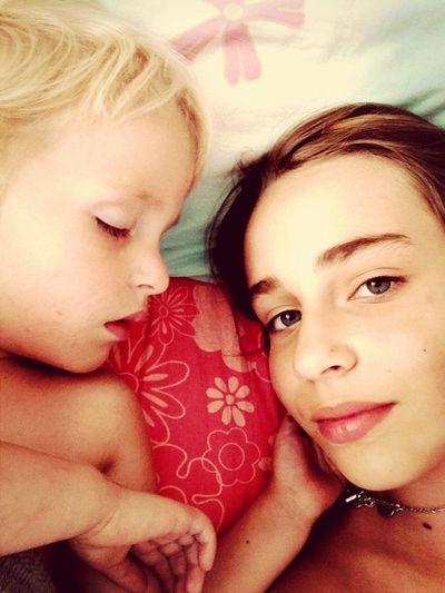Моя маленькая сестричка. Есть еще брат. 2 брата. Я старшая…