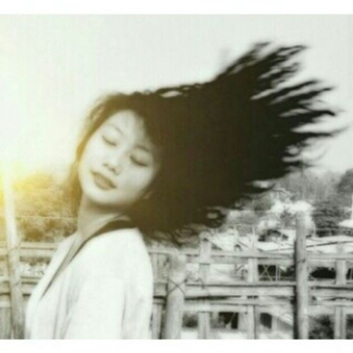 My curly days. Love this picture of myself. o_O photo by @chandenopatton. Beinganarcissistforadaywonthurtnobodyso ... :P