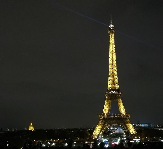 Paris By Night Paris By Light Eiffel Tower Illuminated Night Architecture EyeEm Tour Eiffel Tourism HuaweiP9 Huaweiphotography Huawei P9 Leica Paris, France