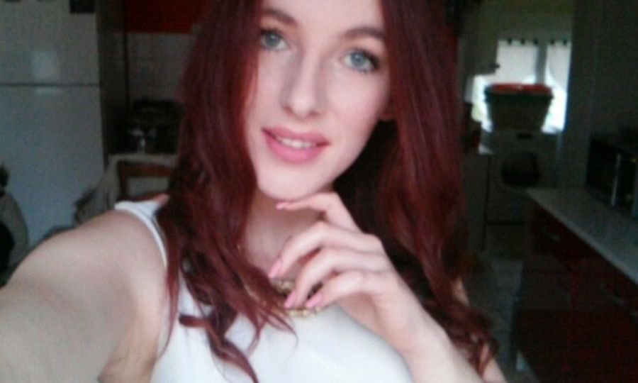 Birthday That's Me Hi! Pinknails Relaxing Snapchat Goodvibes Redhairdontcare Taking Photos Enjoying LifeHello World Photo BlueEyes