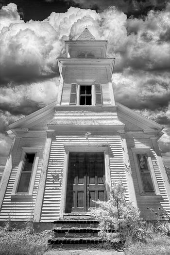 Lyman, ME Taking Photos Black & White Architecture Beautiful