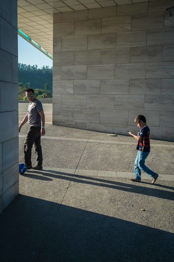 Architecture Child Photography Day Fatherhood Moments Fujifilm Fujifilm_xseries Fujifilmxpro1 Fujinon Leisure Activity Outdoors Person Santiago De Chile Shadows & Lights Silhouette Sreetphotographer Street Streetphotography Teacher Wall - Building Feature