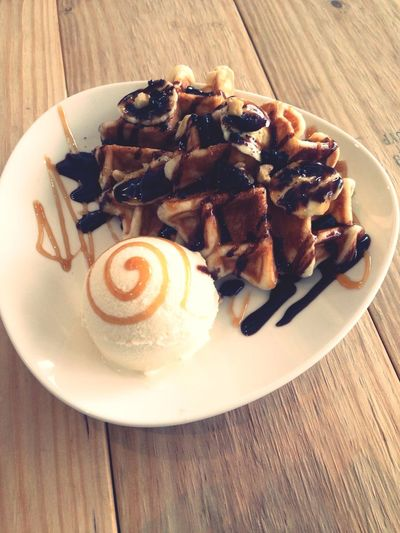 Banana & Walnut Waffle :) Taking Photos Relaxing Enjoying Life