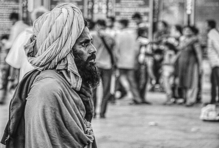 The Portraitist - 2015 EyeEm AwardsB&W Portrait Black And White Streetphotography Black And White Portrait Streetphoto_bw Monochrome Street Photography Candid Portraits The Street Photographer - 2015 EyeEm Awards