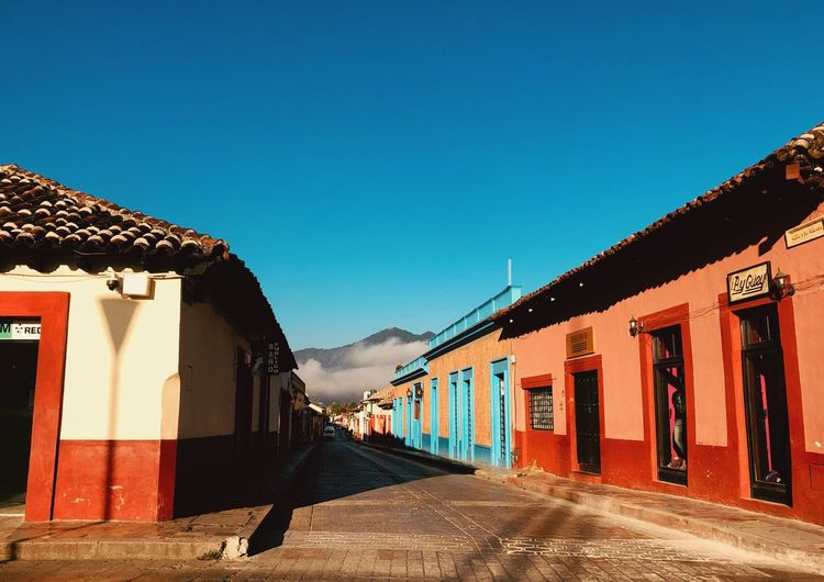 Calles desoladas EyeEm Selects Sky Building Exterior Architecture Built Structure Building Clear Sky Blue No People Outdoors Day Sunlight