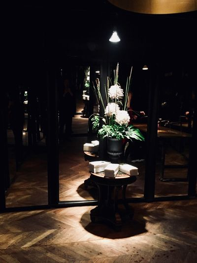 Iwantthatcamera Mirror Architecture Bathroom Built Structure Decoration Electric Lamp Flooring Flower Flowering Plant Freshness Illuminated Indoors  Lighting Equipment Luxury Nature Night No People Plant Restaurant Seat Table Vase Wood - Material