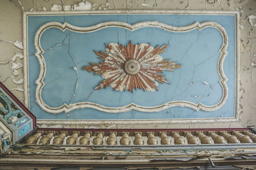 Urbex Urbexphotography Abandoned Abandoned Places Abandoned Buildings Abandoned House Urbexexplorer Urbanexploration Old Decay Urbex_rebels Urbexworld Lovely Old Interior Nature Photography Interior Ceiling Pattern Full Frame Mosaic Close-up Architecture Built Structure