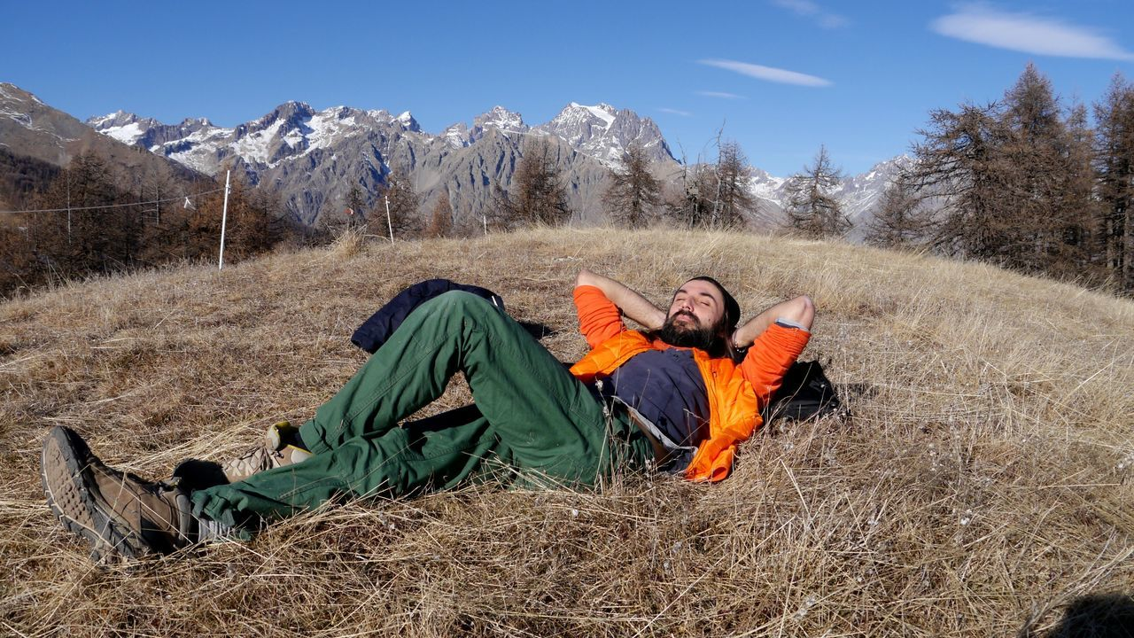 two people, mature men, men, cold temperature, mature adult, nature, winter, camping, sleeping, outdoors, day, adventure, snow, lying down, mountain, real people, grass, tent, togetherness, sky, beauty in nature, adult, adults only, people