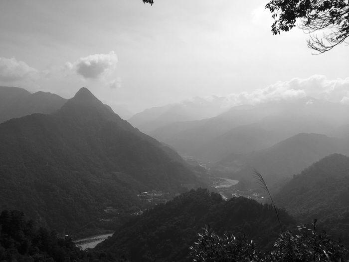 山一直都在 The Great Outdoors - 2018 EyeEm Awards Taiwanese Travel Landscape EyeEm Taiwan EyeEm - Taiwan Taiwanese The View And The Spirit Of Taiwan 台灣景 台灣情 Mountain Scenics - Nature Sky Mountain Range Beauty In Nature Nature Tranquil Scene Mountain Peak