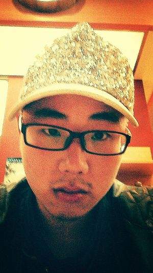 偶尔戴戴帽子…