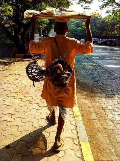 Daily Life Man Hardwork Walking Old India Desi Indiandiaries Desidiaries Colourful