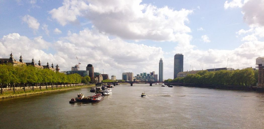 L'indomani Tamigi River London Built Structure Architecture Building Exterior Water City Sky Transportation