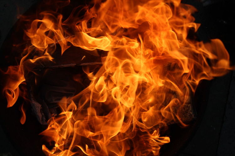 Flame Heat - Temperature Burning Close-up Danger Red Igniting Inferno Beauty In Fire Fire Fire And Flames Flameshots Flames Up Close EyeEmNewHere EyeEm Gallery