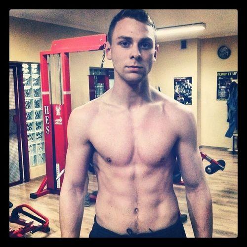 Po długiej przerwie na siłowni.. Czas znów powrócić do starej formy :) Silownia Gym Poland GymTime💪👌 Freetime 👌 Athletic