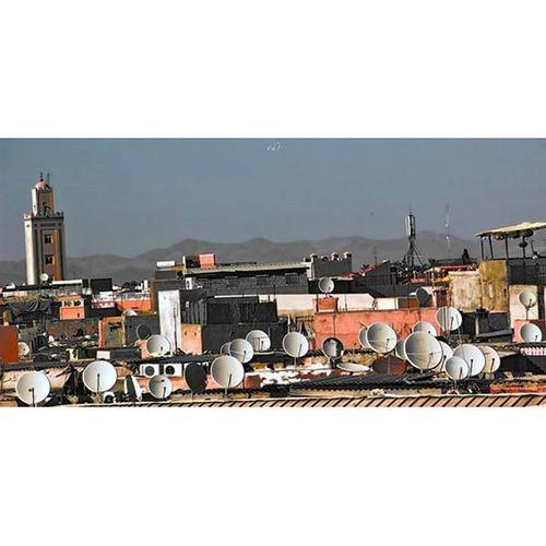 Satellite Parabole Moutain Montagne Mirage Minaret Marrakech Montpellier Lunaire Placejemaaelfna Connect People Place