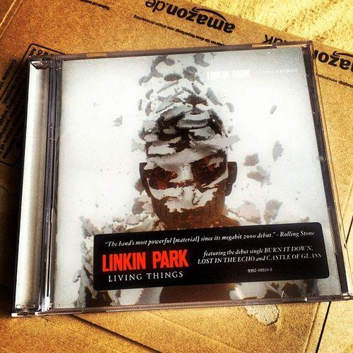 Wohoooooooo!!!! <3 linkinpark m_shinoda #LinkinPark2012 #LIVINGTHINGS #livingthingsreleasedaychallenge Linkinpark 10likes LP Livingthings Livingthingsreleasedaychallenge Linkinpark2012