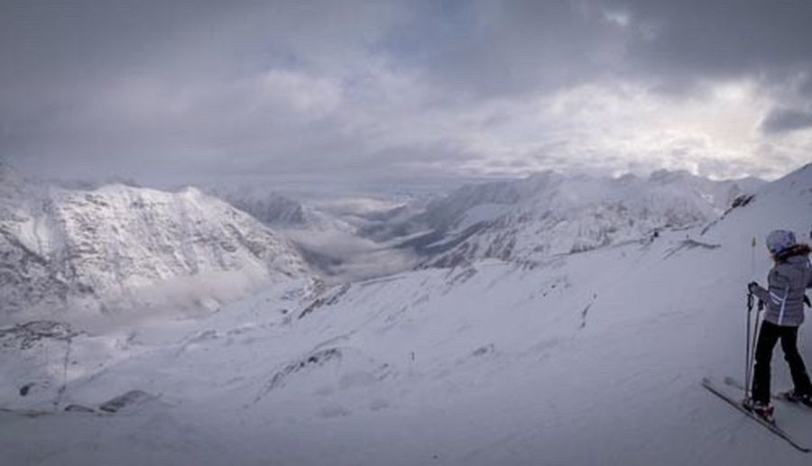 Montagne Mountains Pyrenees Piau Engaly Ski Snow Brouillard Panorama Shades Of Winter