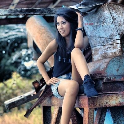 Lady rock.. Insta_venezuela Insta_fashion Instamag Ig_shotz instaday insta_pic indonesia buton baubau baubaugraphy grayscalephotography ggmodels