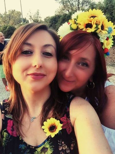 Portrait Flower Looking At Camera Beauty Only Women Beautiful People Happiness Love ♥ Friends ❤ Mybirthay Youandmeforever BFF ♥