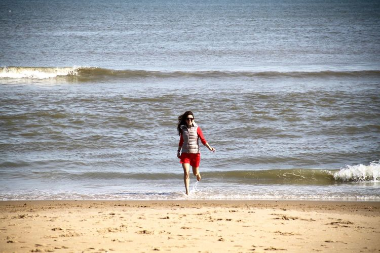 Americana Beach Life Beach Photography Beach Walk Beach Time Breathing Space Fun Happiness Running USA Vacation Time Vacations Virginia Beach Beach Beach Day Beachphotography Full Length Leisure Activity Ocean One Person Sea Wave Young Women Done That.