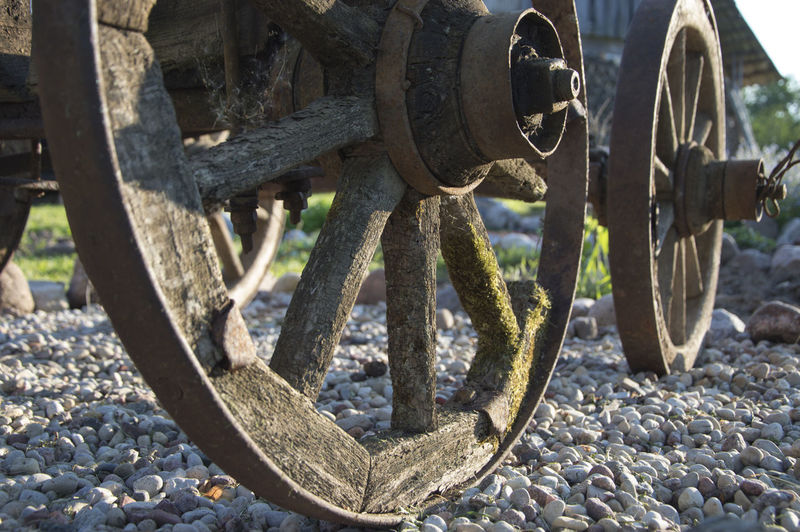Holzräder Außendekoration Carriage Carriage Ride Carriage Wheels Horse Carriage Wheels No People Old Old Wheels Outdoor Decorations Pferdewagen Räder Stones Wheel Wood - Material Wooden Wheels Transport