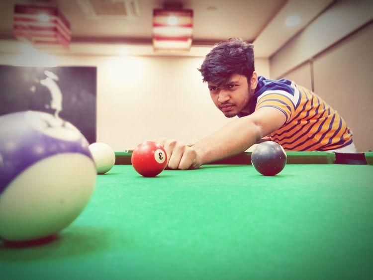 My City India Home Handsatwork Mumbai Pool Time Pool Ball Pool Table Cue Cue Ball EyeEm Selects Pool Cue Pool Ball Snooker Pool - Cue Sport Pool Table Snooker And Pool Sportsman Pool Hall Men Sport Taking A Shot - Sport