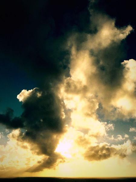 Cloudy Sky Clouds And Sky Scenics Sky Morning Sky Morning Light Eye4photography  EyeEm (null)Showcase: December Hawaii Sunrise Coastline Water