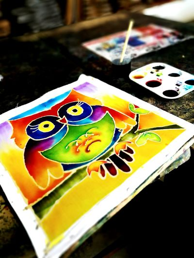 Batik Art And Craft Table Multi Colored Palette Close-up Outdoors Owl Owl Art Owl Batik Owllove Owls Are Cute Colorful Owl Batikdrawing Batik Day Batik First Try Painting Pahang Delight Pahang, Malaysia Owlstanding Owl-ra Crafts Crafting Time  Craftwork Craft