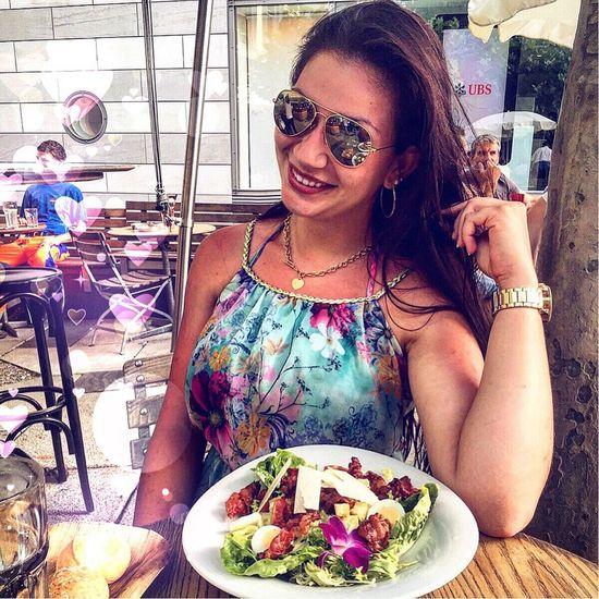 Sunny Day Beautiful Enjoying Life Eating Lifestyle Sunset Ragazza Switzerland Vacation Holiday