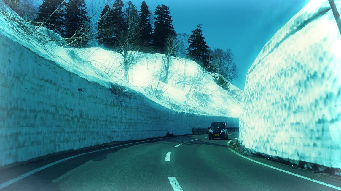 Driving through the snow walls on the Aspite Line, Mt. Hachimantai. Country Road Diminishing Perspective Mode Of Transport Motion Mountain Nature Outdoors Road Snow Wall Transportation Tunnel Ultimate Japan On The Way