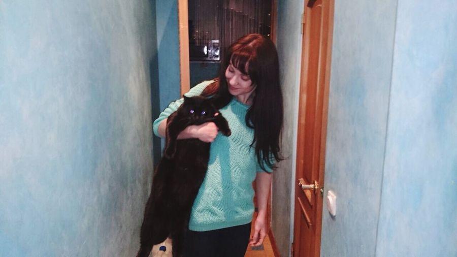 Решила похвастаться размерами кота) судя по взгляду, обиделся...) любимыйкот люблюегоочень котэ котикэт