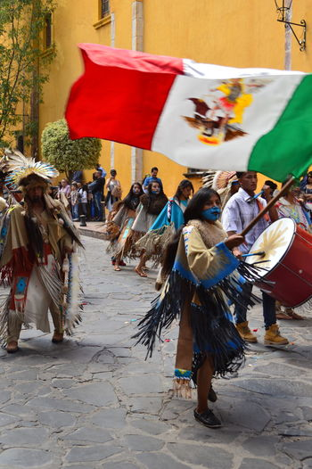 Tradiciones y raíces Dancing Culture Day Flag Large Group Of People Leisure Activity Lifestyles Outdoors People Real People Women