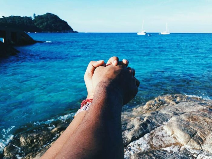 Sea Water Human Body Part Hand Personal Perspective Horizon Over Water Finger Human Hand Lovelife Love Life Couplegoals Holding Hands Sky EyeEmNewHere Close-up The Great Outdoors - 2018 EyeEm Awards Love Is Love