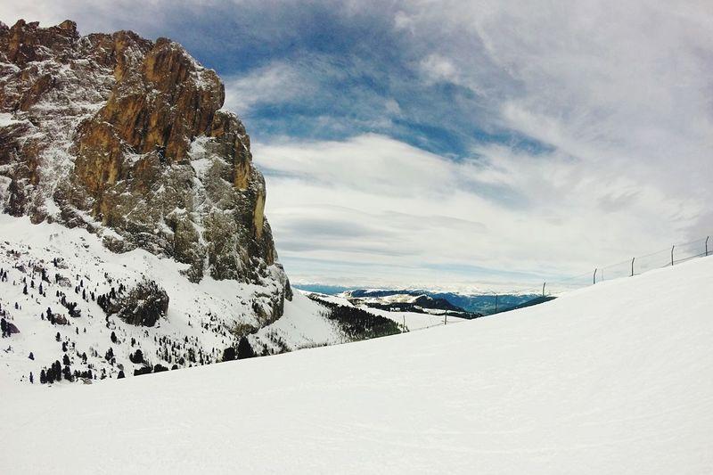 What a wonderful view... Skiing Sellaronda