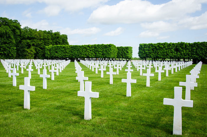 Death Dead Army Us USA American World War I Tree Military Grave Cross Memorial Cemetery Tombstone Sky Grass Cloud - Sky Gravestone War Memorial World War II Honor Historical Reenactment War Repetition Monument Cross Shape Conformity Graveyard Soldier Bauble