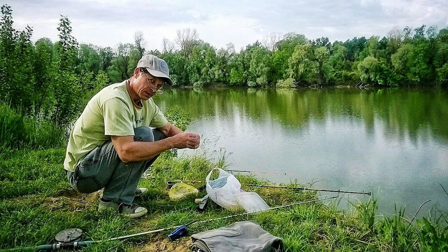 Папа на рыбалке One Man Only Only Men One Person Nature Adult Men Agriculture Adults Only Mature Adult People Water One Mature Man Only Day Mature Men Outdoors Concentration Growth Farmer Working Tree River Fishing Fisherman Nature река Mix Yourself A Good Time