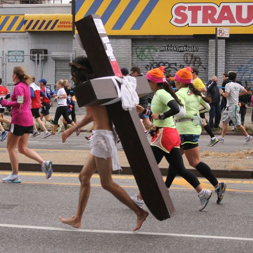 Jesus Ran, 4th Ave, ING NYC Marathon, Park Slope, Brooklyn Jesus Running ING NYC Marathon Brooklyn